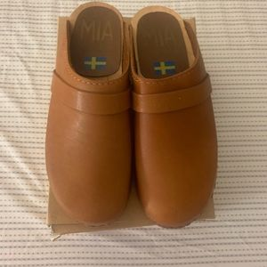 Authentic swedish leather clogs